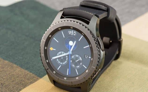 Samsung Gear S3 smartwatch with speaker and mic