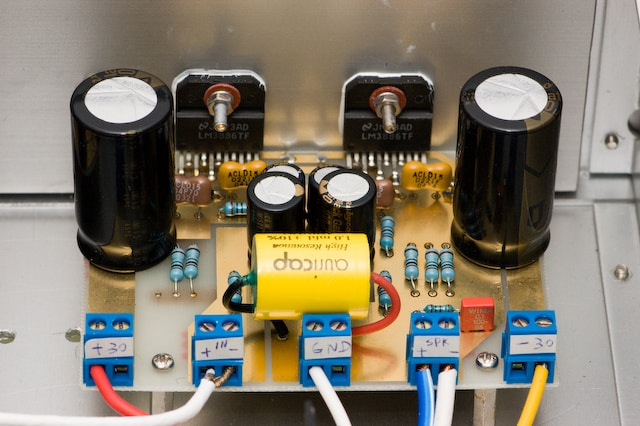 amplifier power supply circuit