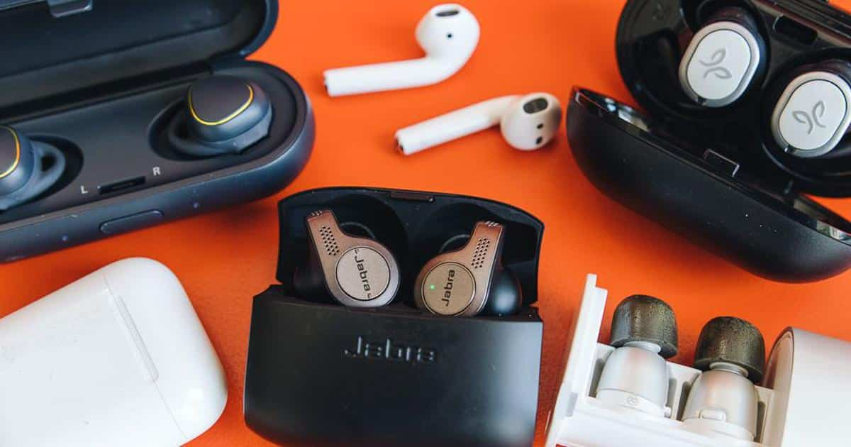 Foam Earbuds Vs Silicone Earbuds The Complete Guide Boomspeaker Com