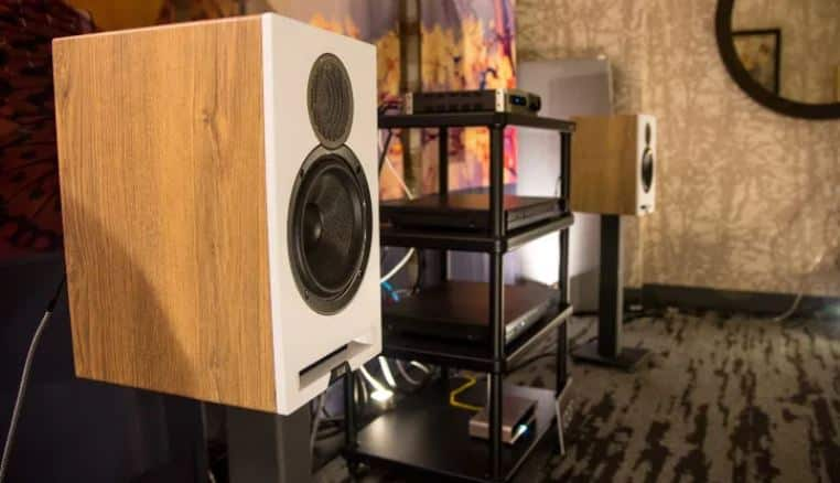 ELAC reference speakers