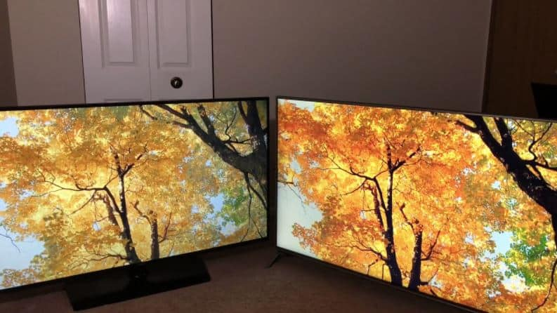 multiple TVs with the same source