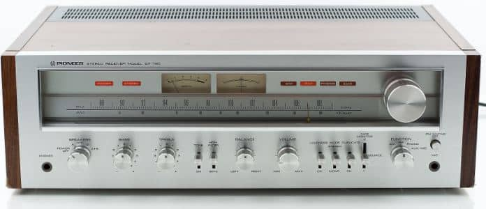 Pioneer SX750 AM FM Stereo Receiver design and build quality